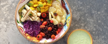 Vegetarian Salad With Creamy Avocado Dressing